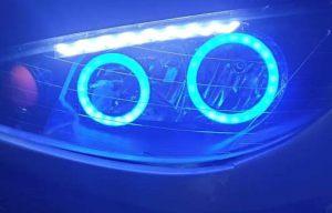 استفاده از حلقه های ال ای دی خودرو رنگ آبی در کاسه چراغ ها