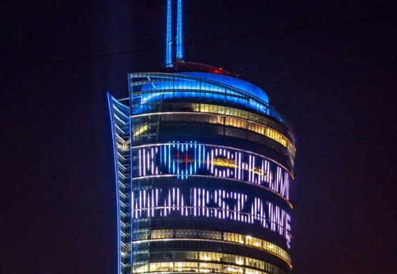 تحلیل زیباترین نورپردازی های LED اروپا بخش دوم - منار Warsaw لهستان